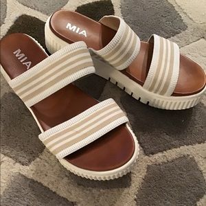 Mia leather insole comfy sandals